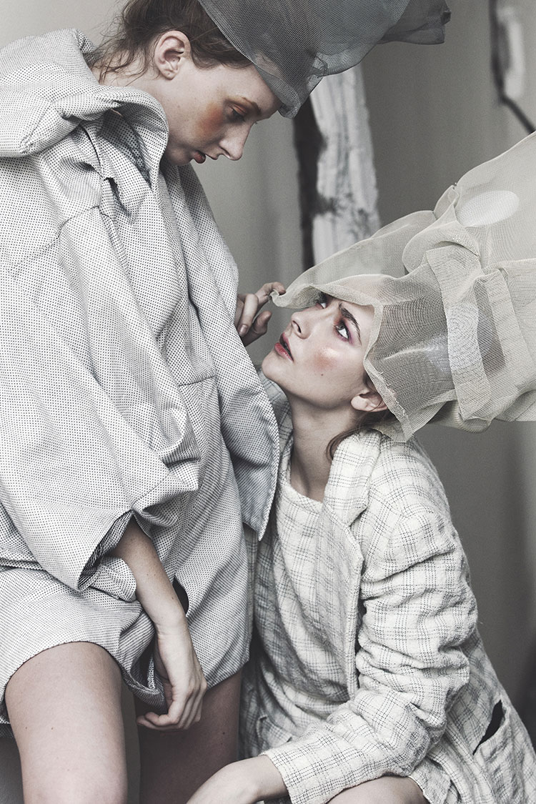 DARIA & ELENA // PHOTOGRAPHY BY ZHONGLIN