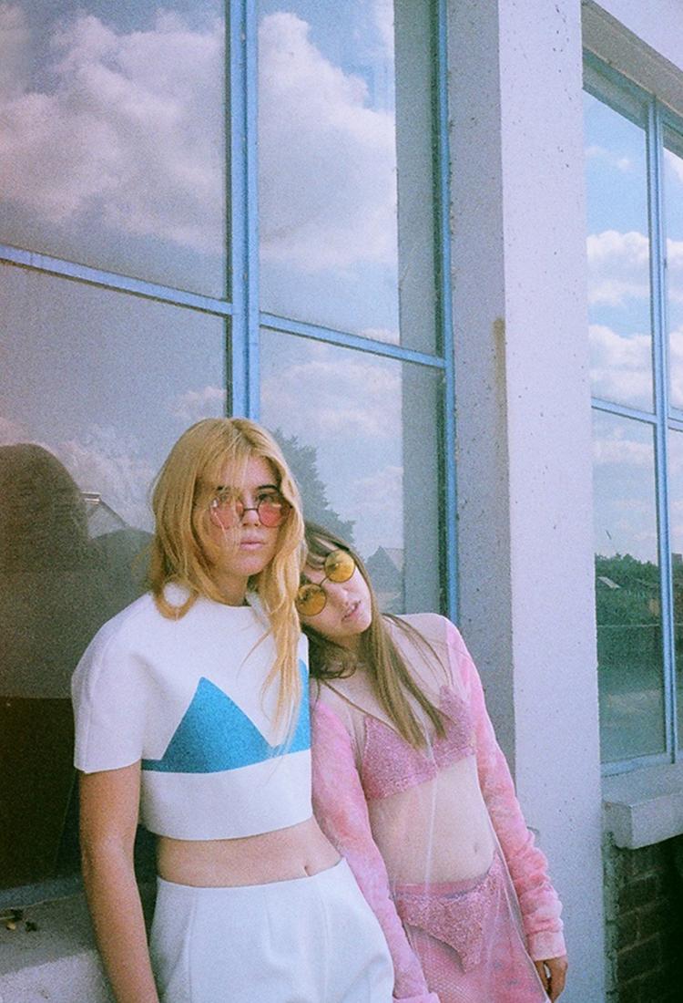 JESSICA & EVIE // PHOTOGRAPHY BY KAHO OKAZAKI