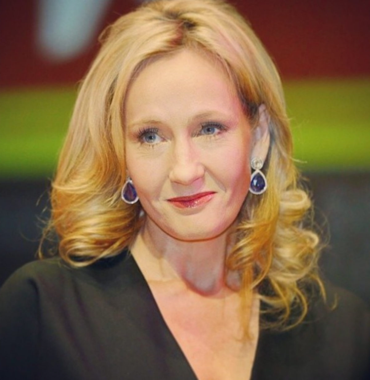 J.K. ROWLING GLORIOUSLY SHUTS DOWN SEXISTS VIA TWITTER