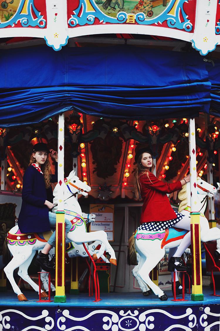 FANNY & LARA // PHOTOGRAPHY BY CLARA NEBELING