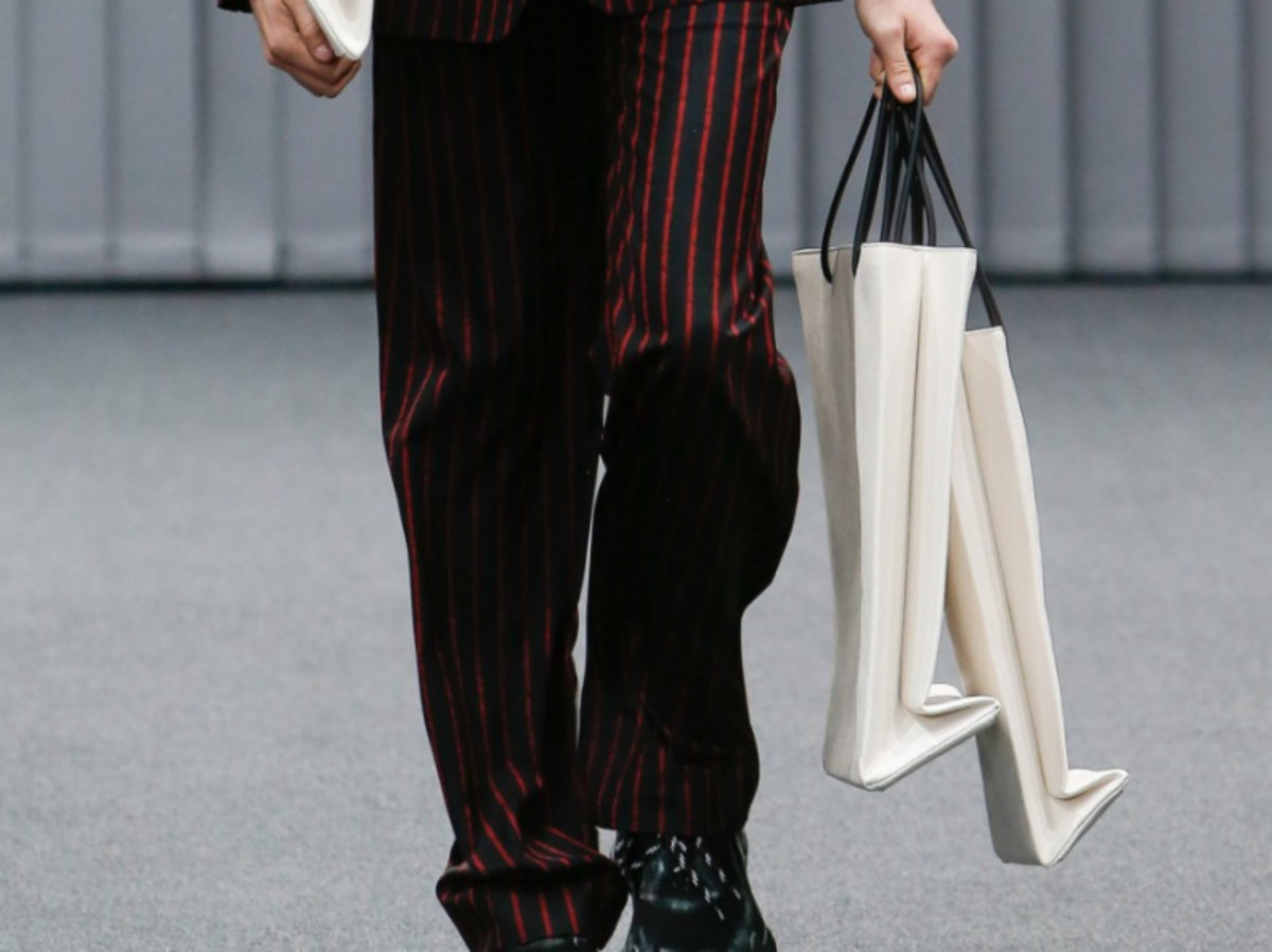 BALENCIAGA SHOPPING BAG COLETTE PAPER BAG NEWS FASHION TREND DEMNA GVASALIA
