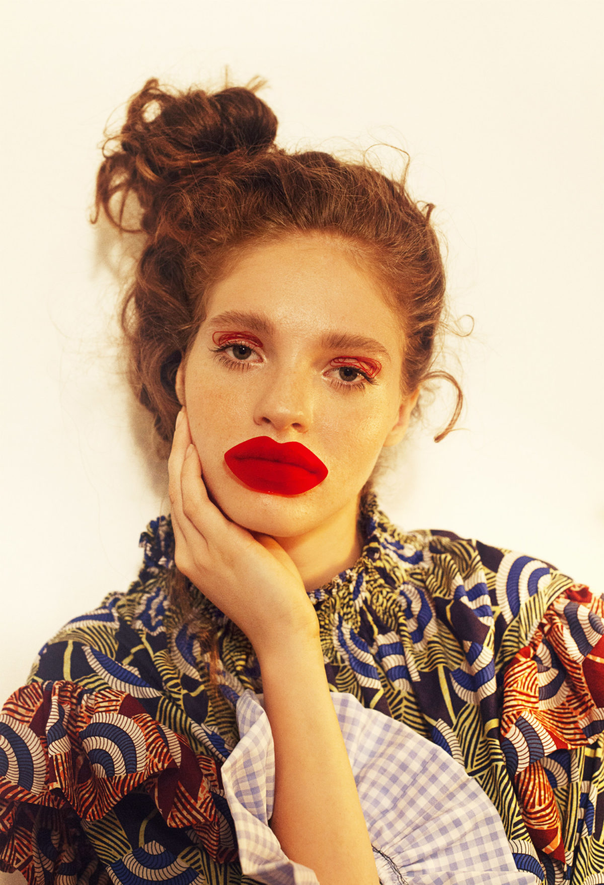 ROXANA ENACHE REDEFINES THE ULTIMATE RED LIP