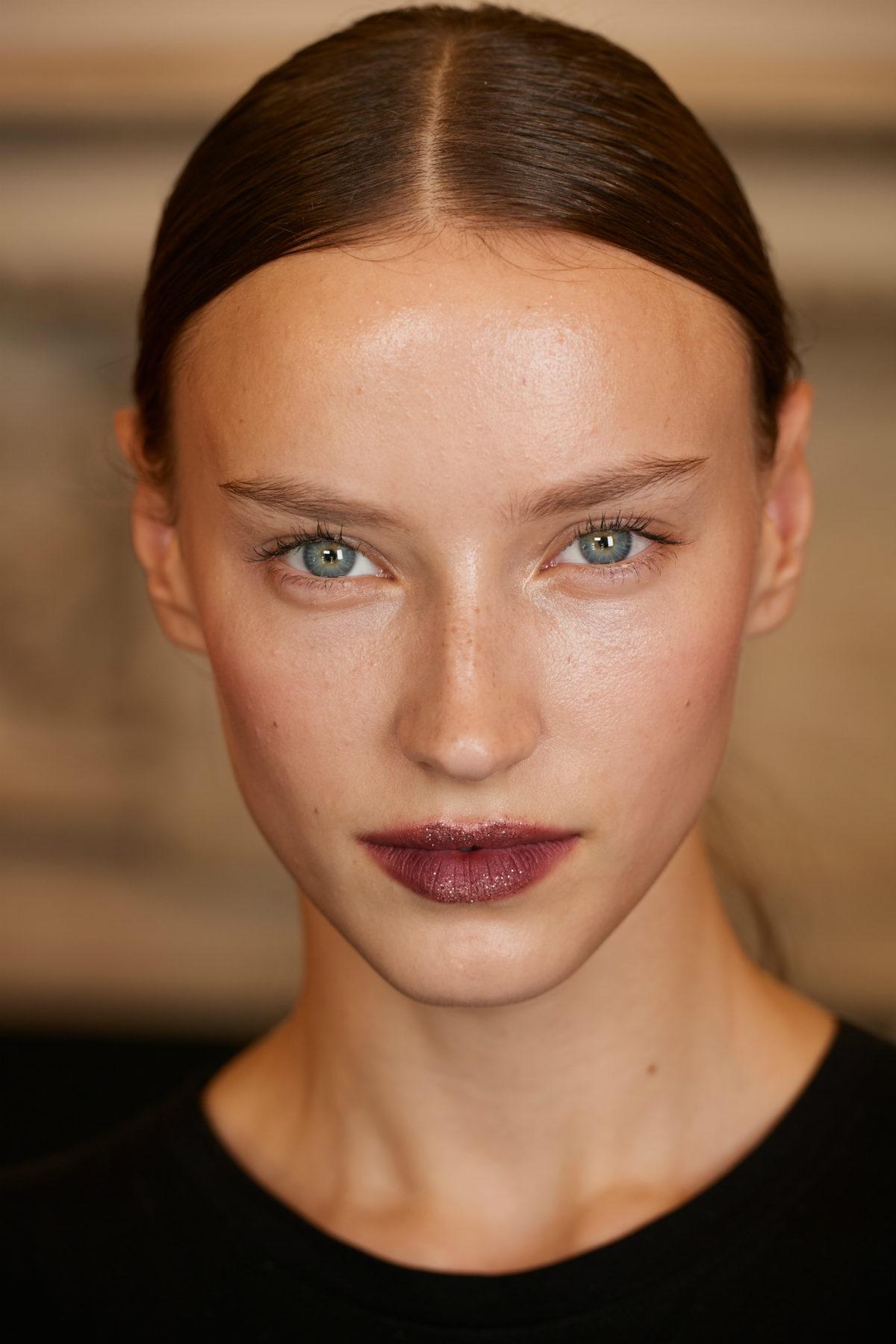 Loni Baur Kaviar Gauche Make Up Look SS18 Beauty Trend